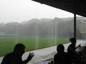 Ein Regenguss in Havanna