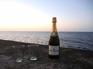 Champagner am Malecón in Havanna
