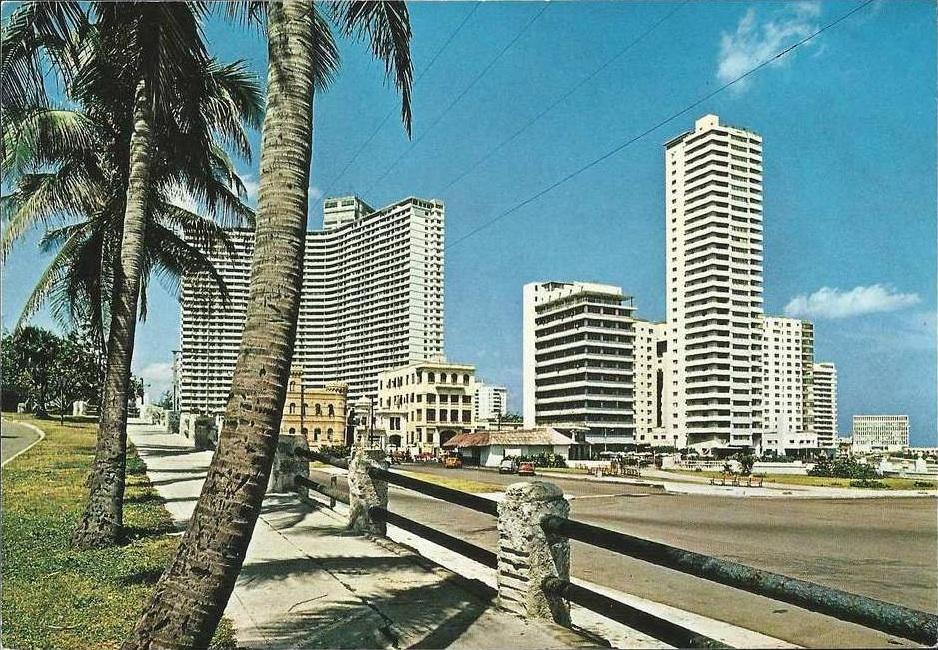 Hochhaus am Malecón auf einer Postkarte Ende der 50er Jahre