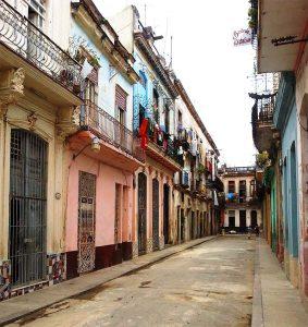 Altstadt von Havanna mit seinen schmiedeeisernen Balkonen