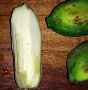 Chatinos: Banane geschält