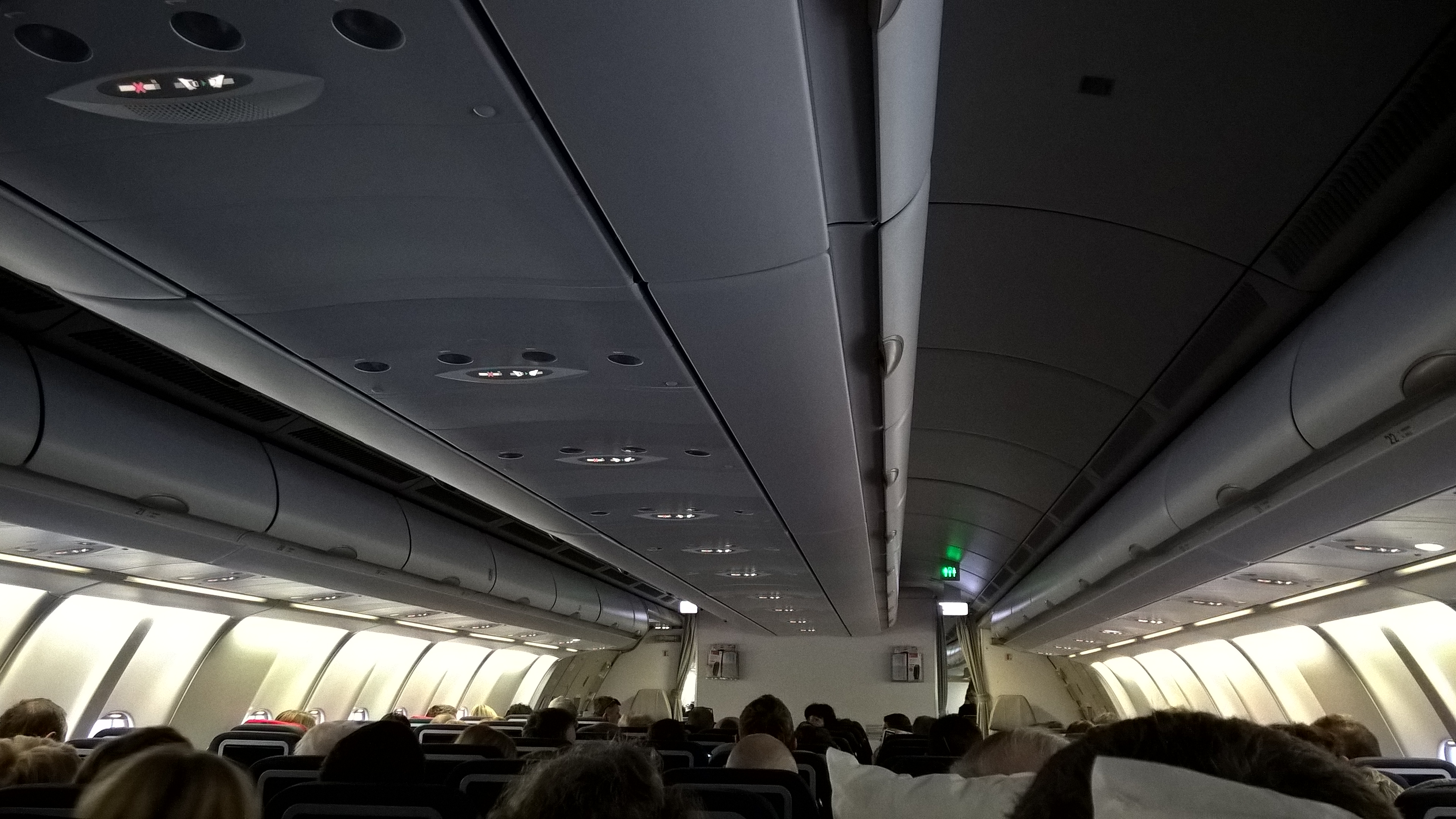 Aufnahme: Blick ins Flugzeug