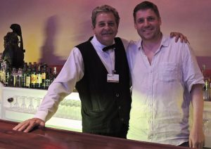 Barman Tito und Matthias