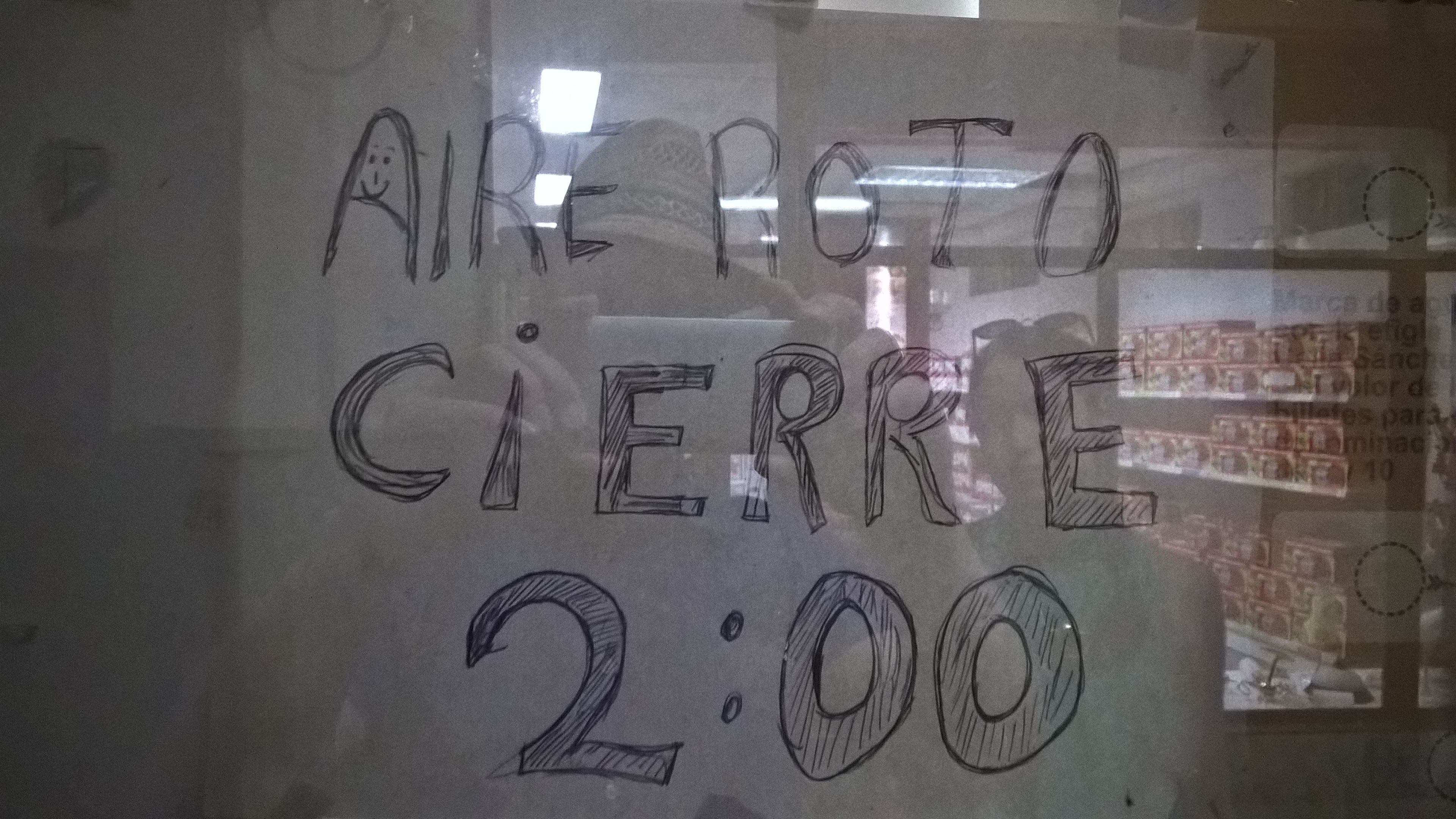 Ohne Aircondition keine Wechselstube - ist ja auch kein Arbeiten so im Warmen ;) - Schild in Wechselstube