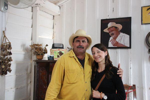 Foto von Antje Hämmerling mit einem Kubaner
