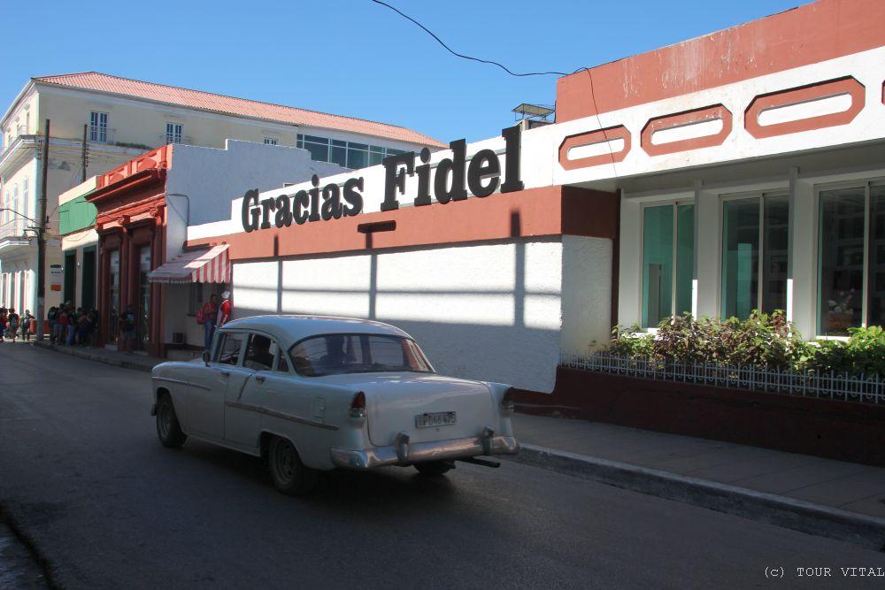 """Gracias Fidel"" - Foto: TOUR VITAL"