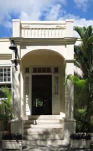 Kubanews: Eingang Haupthaus Finca Vigía