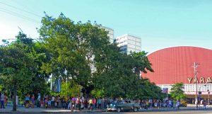 Kubanews: Schlange stehen in Kuba