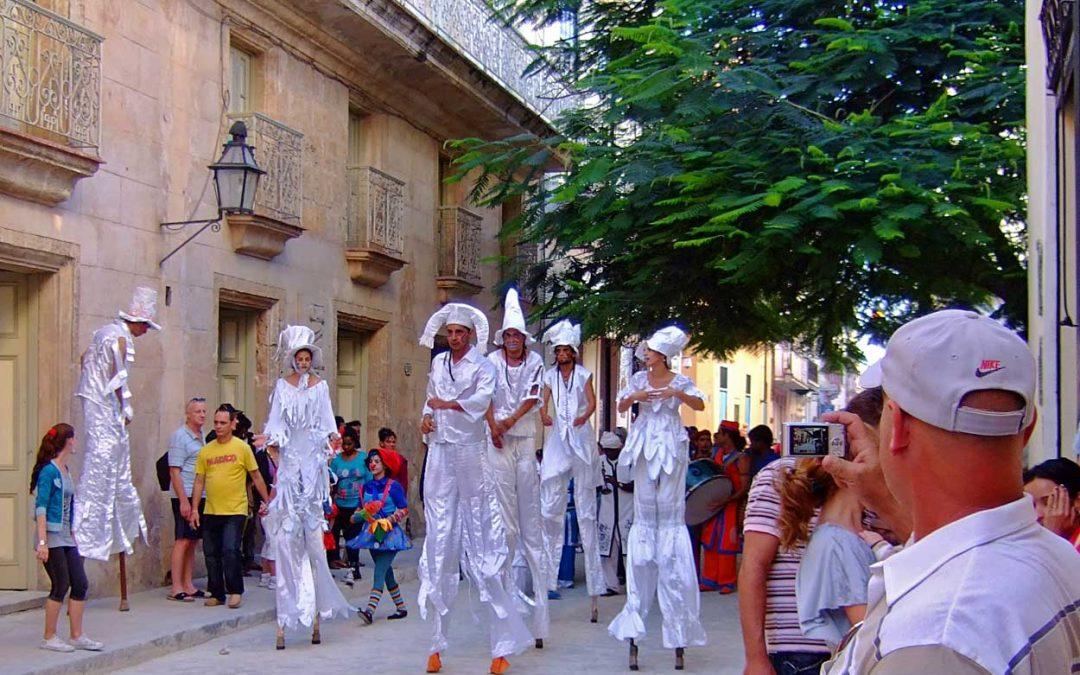 ARD-Mediathek: Kölnisch-kubanischer Karneval in Havanna
