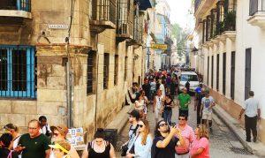 Kubanews: In der Calle Empedrado am Vormittag