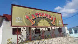 Kubanews: Restaurierte Werbetafel für die Biergärten La Tropical