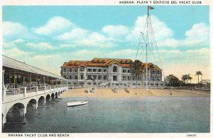 Foto nach 1925: Blick vom Meer auf den Pier und das Clubhaus