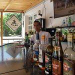 Kubanews: Bar Pilar am Museo Hemingway mit Barmann Yaniel