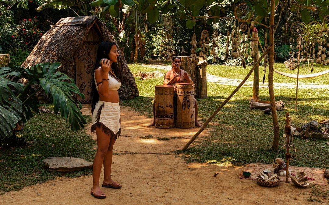 Kubanews: Indigenes Flair im Eingangsbereich der Cueva del Indio